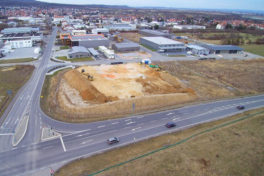Baubeginn einer Lkw-freundlichen Tankstelle in Ober-Rosbach, Hessen